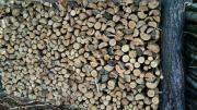 Trockenes Ofenfertiges Brennholz