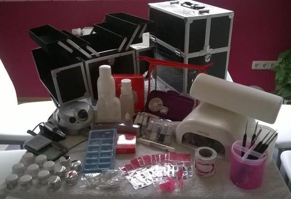 umfangreiches nageldesign starterset emmi uv lampe gele in leutershausen kosmetik und. Black Bedroom Furniture Sets. Home Design Ideas