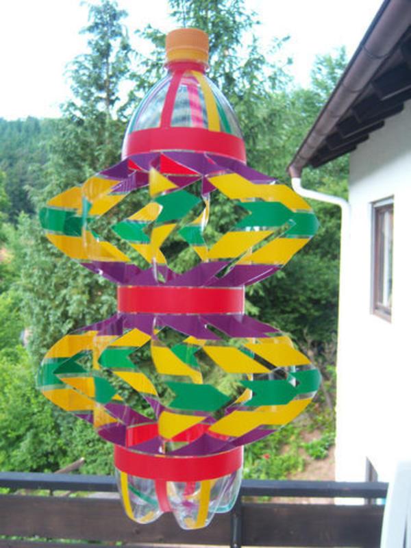 Bild 4 windspiel handarbeit plastikflasche fr hling for Idee geschenk garten
