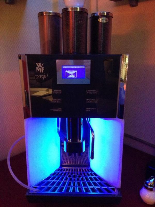 wmf presto kaffeemaschine espresso cappuccino latte macciato schokolade in b hlen kaffee. Black Bedroom Furniture Sets. Home Design Ideas
