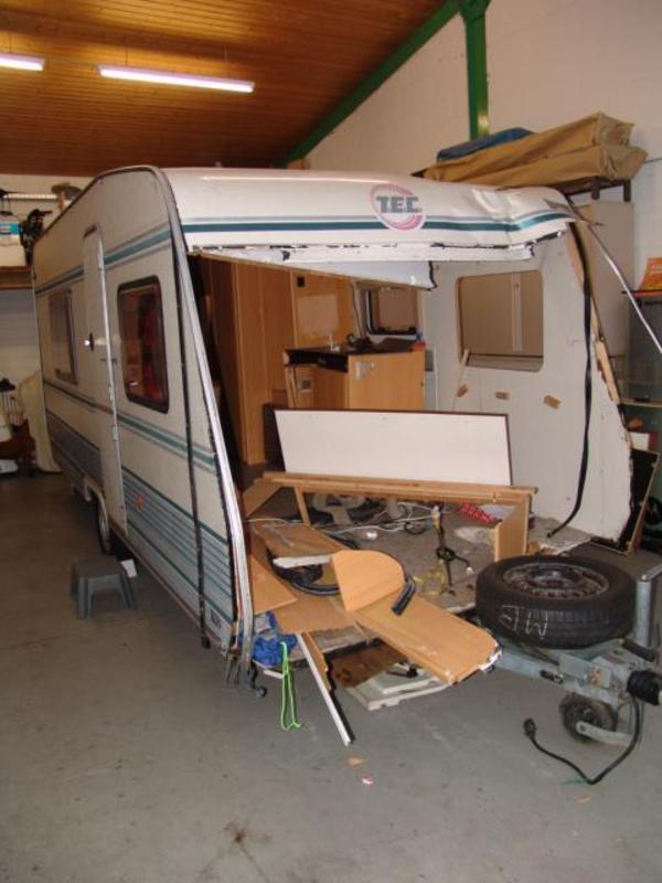 wohnwagen tec sprinter unfallschaden in ettlingen kaufen und verkaufen ber private kleinanzeigen. Black Bedroom Furniture Sets. Home Design Ideas