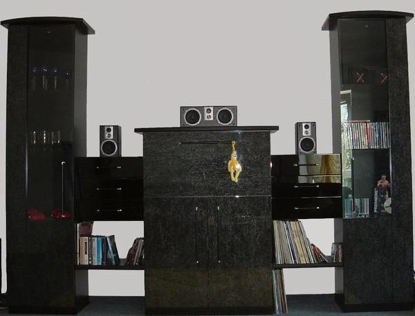 Wohnzimmerschrank luxus m bel inspiration und innenraum for Wohnzimmerschrank schwarz hochglanz