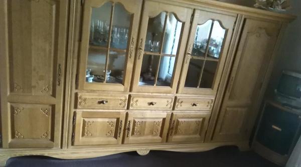 wohnzimmer schrank vollmassiv eiche hell top erhalten gelaugt und gewachst in duisburg. Black Bedroom Furniture Sets. Home Design Ideas