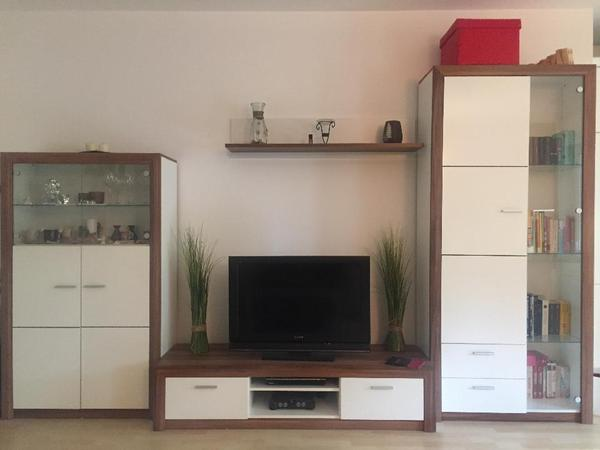 wohnzimmer schrankwand regale in germering wohnzimmerschr nke anbauw nde kaufen und. Black Bedroom Furniture Sets. Home Design Ideas