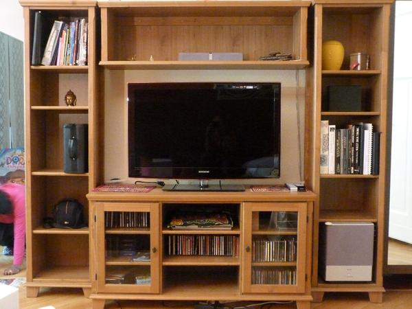 wohnzimmerkombination aus massivholz ikea mark r serie in. Black Bedroom Furniture Sets. Home Design Ideas