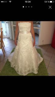 Wunderschönes Brautkleid mit