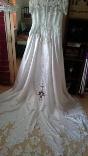 Wunderschönes Brautkleid zu