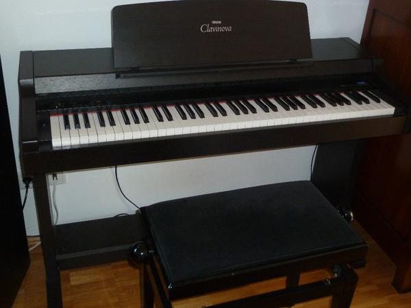 yamaha clavinova clp 152s inkl klavierbank in m nchen. Black Bedroom Furniture Sets. Home Design Ideas