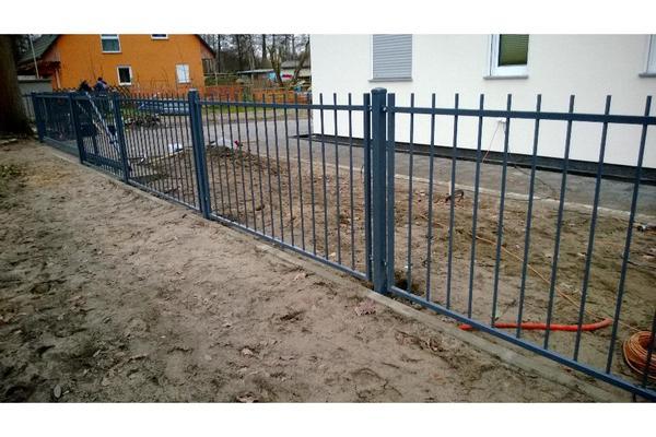 Z Une Tore Gel Nder Fenstergitter Carport Aus Metall