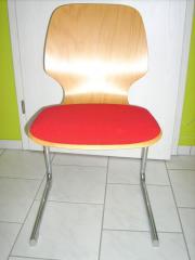 12 Holzstühle buchefarben,