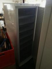 1x kühlschrank 1x