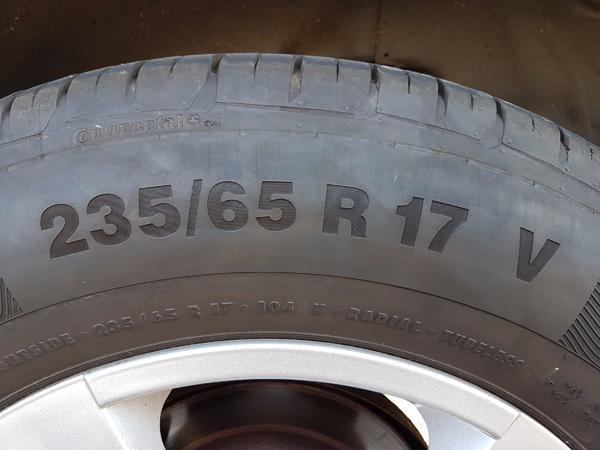 235 65 17 Sommerreifen 104 V Continental - Lorch - 2x 235/65 R17 Conti, Profil 6 mm, für SUV. Verkaufe 2 Reifen Continental 235 65 17 104 VConti Premium Contakt 5 SUVDOT 2015 , Profil ca. 6 mm. - Lorch