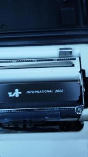 Adler Kofferschreibmaschine International