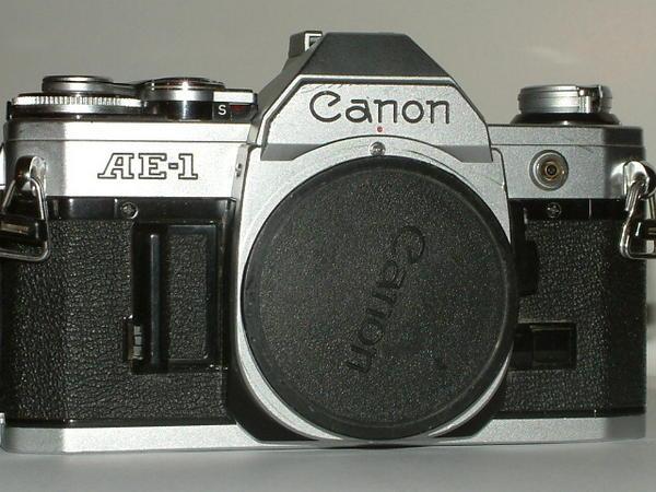 AE 1 Canon Kamera mit
