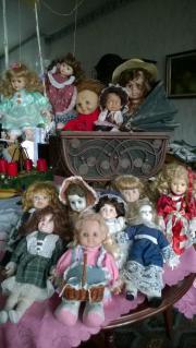 älterer Nostalgie-Puppenwagen