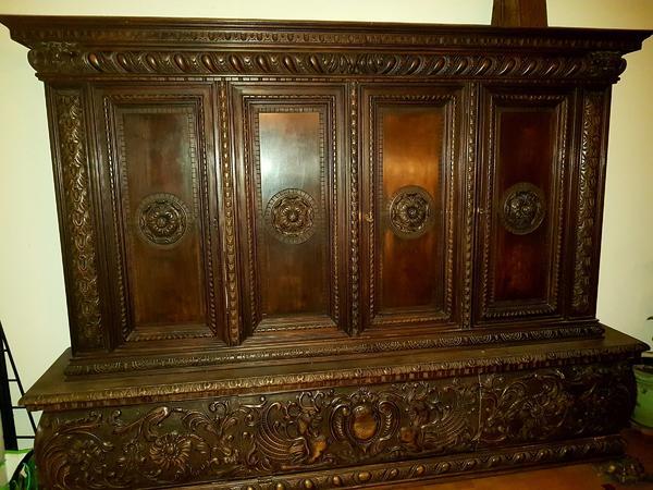 alter massiver wohnzimmerschrank aus der epoche des historismus in neubiberg stilm bel. Black Bedroom Furniture Sets. Home Design Ideas