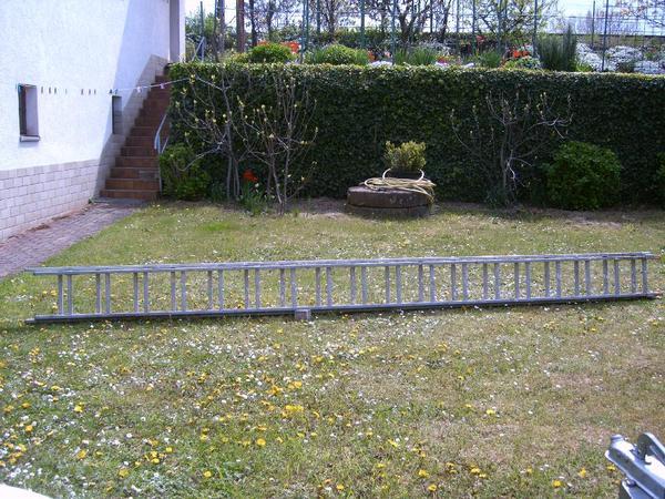 ALULEITER 10m, 2x5m ausziehbar - Neustadt - Robuste Aluleiter in Profi-Qualität. Gesamtlänge ca. 10m ,2x5m, 2 tlg. Ausziehbar. - Neustadt