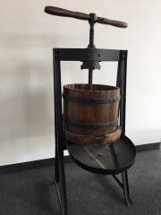 antike Spindel-Weinpresse
