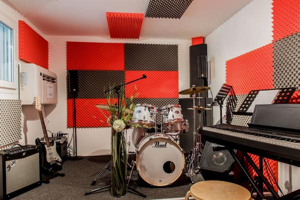 Ausgestattete Musikräume in » Vermietung Ateliers, Übungsräume