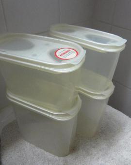 Backformen Nudelbrett Rührgerät Gemüseschneider Schüttbox: Kleinanzeigen aus München Schwabing-West - Rubrik Haushaltsgeräte, Hausrat, alles Sonstige