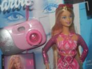 Barbie mit Fotoapparat als Modell