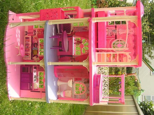 barbie traumhaus in erzhausen sonstiges kinderspielzeug kaufen und verkaufen ber private. Black Bedroom Furniture Sets. Home Design Ideas