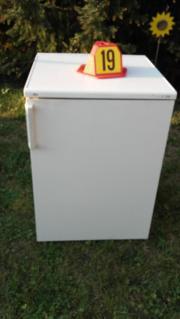 Biete einen großen Kühlschrank Fabrikat