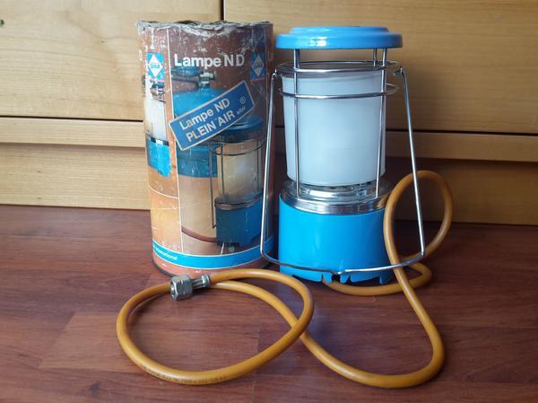 Camping-Gaslampe - Baiersdorf - Camping-Gaslampe mit Anschlußleitung für an Gasflaschendruckventil - Baiersdorf