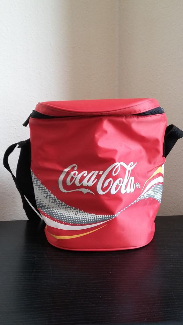 COCA COLA KÜHLTASCHE - Mönchengladbach Rheydt-west - COCA COLA KÜHLTASCHE-unbenutzte Kühltasche von Coca Cola-der richtige Begleiter für kleine Ausflügeca. 23 x 30 cm - Mönchengladbach Rheydt-west