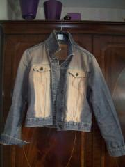 Damenbekleidung = Jeansjacke