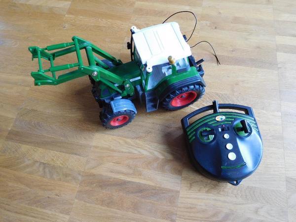 dickie traktor in holzkirchen sonstiges kinderspielzeug. Black Bedroom Furniture Sets. Home Design Ideas