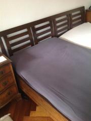 Doppelbett dunkles Holz