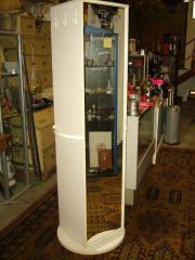 Drehbarer Schrank mit Regalen und