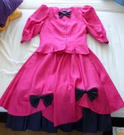 festliches Kostüm in pink mit