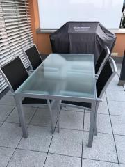 Gartengarnitur - Tisch und