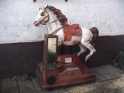 Großes Nostalgie-Pferd..