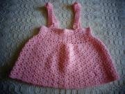 Häkelrock mit Trägern Handarbeit rosa