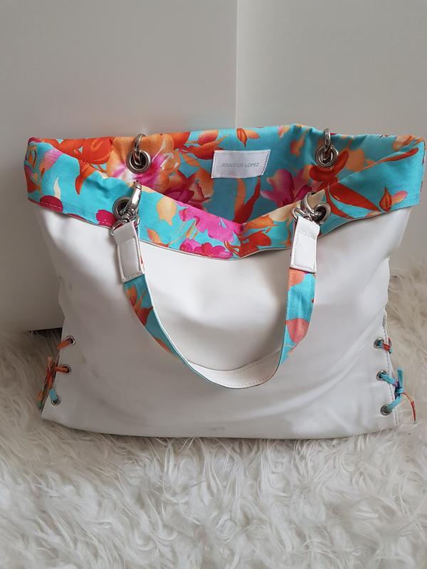 Handtasche (Jennifer Lopez) - Mannheim Neckarstadt - Hallo! Ich verkaufe diese Jennifer Lopez Handtasche an Selbstabholer (Neckarstadt West). Tasche hat leichte Gebrauchsspuren. - Mannheim Neckarstadt