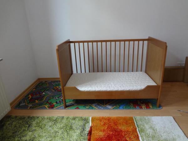 holz ikea baby kinderbett babybett mit passender matratze 60 x 120 cm in speyer wiegen. Black Bedroom Furniture Sets. Home Design Ideas
