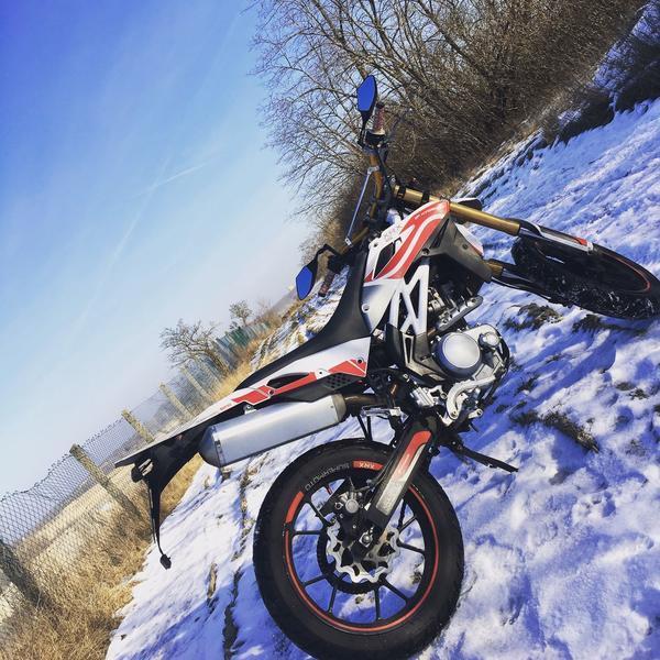 Hyosung xrx 125 » Sonstige Motorräder