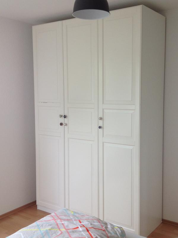 kleiderschrank turen gebraucht kaufen nur 3 st bis 70. Black Bedroom Furniture Sets. Home Design Ideas