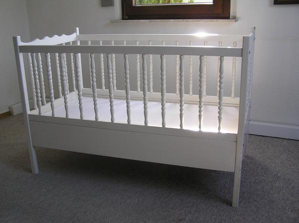 kinderbett rost kleinanzeigen baby kinderartikel. Black Bedroom Furniture Sets. Home Design Ideas