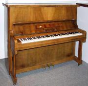 Klavier Trübger 130,