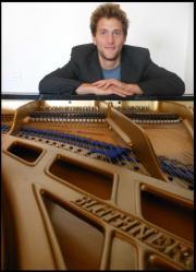 Klavierstimmen im Raum