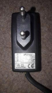 Ladegerät Bosch Type 105P308150 mit