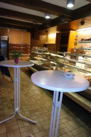 Ladengeschäft mit Bäckereieinrichtung