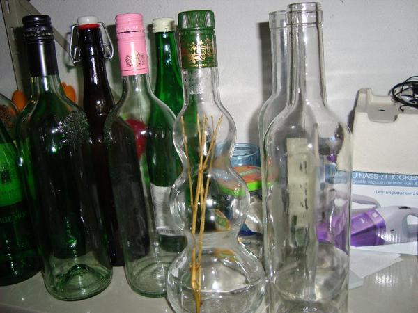 leere Schraubflaschen 750 ml und