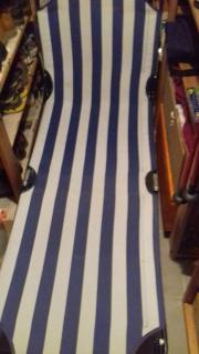 Liegestuhl blau-weiß