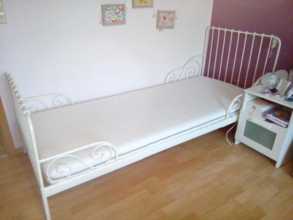 gebrauchte betten kaufen berlin kiefermassiv bett kaufen. Black Bedroom Furniture Sets. Home Design Ideas