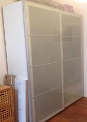 Kleiderschrank ikea weiß spiegel  neuwertiger Ikea Pax SEKKEN Schiebetüren Kleiderschrank in Berlin ...
